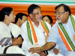 State Bjp Leaders Unhappy Over Mukul Roy His Stand On Sarada Narad Case Against Mamata