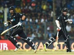 India Is Beaten Newzeeland Six Wicket At Mumbai