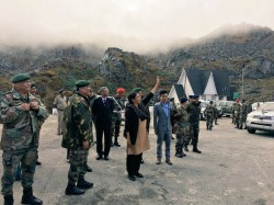 Defence Minister Nirmala Sitharaman S Interaction With Chinese Soldier Goes Viral China Media