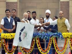 Pm Narendra Modi Flags Off Run Unity On Sardar Vallabhbhai Patel Birth Anniversary