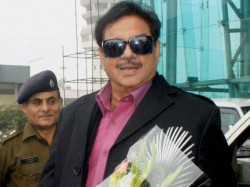 Shatrughan Sinha May Defect Rjd Before 2019 Elections