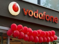 Vodafone Counters Jio Airtel Offers 90gb Data Unlimited Calls Rs