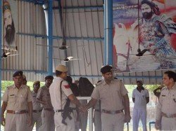 Gurmeet Ram Rahim S Clothes Valuables Stolen