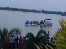 Boat Capsizes River Krishna Near Vijaywada Andhra Pradesh