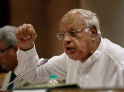 Don T Cut India Into More Pieces I Stand Pok Remark Says Farooq Abdullah