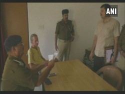 German Tourist Beaten Up At Uttar Pradesh