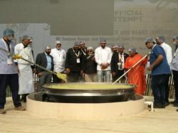 World Food India 800kg Khichdi Cooked World Record Baba Ramdev Adds Tadka
