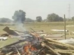 Clash Between Tribals Police Goalpokhor North Dinajpur Over Land