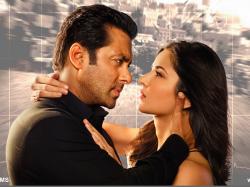 Is Ashiwrya The Reason That Salman Do Not Kiss Any Heroine On Screen Even Katrina