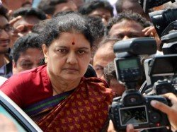 Rs 1400 Crore Unearthed During Raids On Sasikala Clan Jaya Tv Income Tax Department
