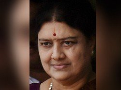 Sasikala Likely Be Questioned After I T Raid Recover Rs 1 43 Cr Linked To Her