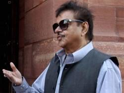Stop Communalising Atmosphere Shatrughan Sinha Criticises Pm Modi