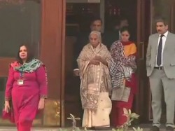 Killer Son Kulbhushan Jadhav S Mother Wife Harassed Pakistani Media