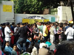 For The Fourth Day Guardians Gd Birla School Staged Demonstration Front The Gate