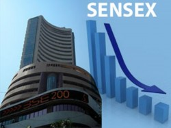 Sensex Sinks 800 Pts Nifty Falls 200 Pts As Gujarat Trends Predicts Bjp Upset
