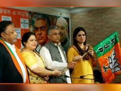 Nazia Elahi Khan Lawyer Triple Talaq Victim Ishrat Jahan Joins In Bjp