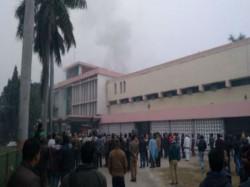 Major Fire Erupts At Gorakhpur S Brd Hospital