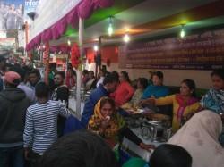 Trinamool Congress Arranges Health Caps Lunchs Gangasagar Bound Passengers Near Cm S House