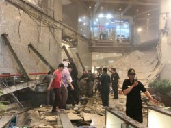 Jakarta Stock Exchange Collapse Building S Floor Caves Injured Several Others