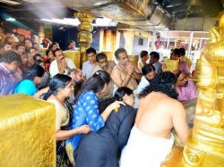 Age Proof Women Must Sabarimala Temple Board Issues Mandate