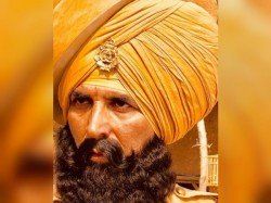 Akshay Kumar Surprises Kesari First Look Sports Huge Turb