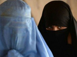 Darul Uloom Issues Fatwa Against Designer Burqas To Avoid Marrying Bank Employees
