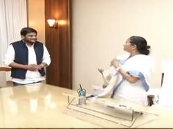 Mamata Banerjee Met Hardik Patel A Close Door Meeting Kolkata