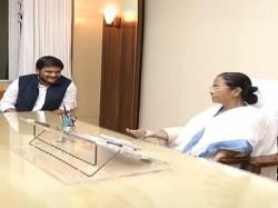 Mamata Banerjee Seems Hardik Patel May Be Key Leader 2019 Defeat Narendra Modi