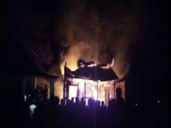 Fire Gutted Century Old Bhabani Pathak S Temple Jalpaiguri