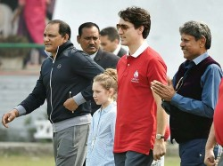 Canadian Prime Minister Justin Trudu Plays Cricket New Delhi