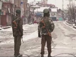 Encounter Between Terrorists Security Forces Srinagar Underway