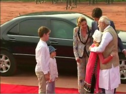 Canadian Prime Minister Justin Trudeau Family Welcomed Pm Modi Rashtrapati Bhawan