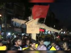 Clash Jadavpur Over Statue Broken Controversy