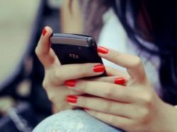 One 3 Indian Woamn Recives Offensiv Calls Says True Caller