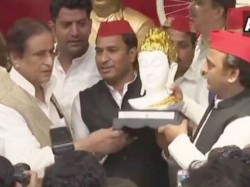 Up S Bjp Minister S Son Law Joins Samajwadi Party