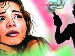 Woman Critical After Acid Attack Gaziabad Female Stalker Prime Suspect