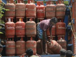 Relief The Consumers As Oil Companies Reduces Price Non Subsidised Lpg Cylinders