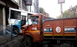 Dangerous Accident The Crossing Mominpur South Kolkata