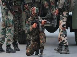 Top Hizbul Mujahideen Operatives Gunned Down Kashmir S Pulwa
