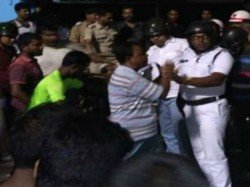 Resident Garia More Stages Demonstration The Mid Night Over Road Accident
