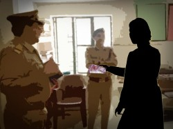 Rape Victim Delhi Takes Parents Police Taking Bribe 5 Lakh Rupees