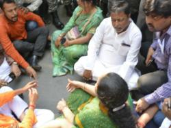 Bjp Shows Agitation Front Election Commission Protest Nomination Violence