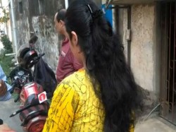 Youth Allegedly Attacks On Woman Parnashree Under Kolkata Police Area