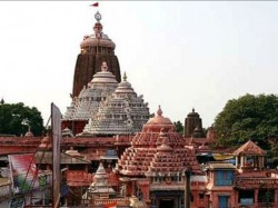 The Ruckus Between The Two Groups Stand Still The Activities In Puri Temple