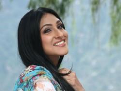 Rituparna Sengupta Her New Bangldeshi Film Ekti Cinemar Golpo