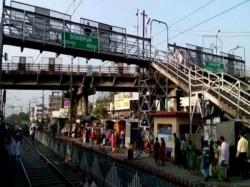 Train Services Disrupts Sealdah Main Section Due Rail Blocked Sodepur Station