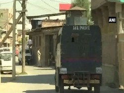 Three Terrorist Gunned Down Srinagar S Chattabal