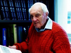 Atlast 104 Years Old Australian Scientist Commits Assisted S