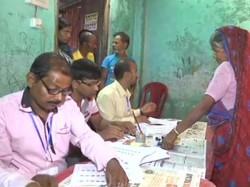 Violence At Chhitmahal And Gitaldaha Karala At Coochbehar Panchayat Election Of West Bengal
