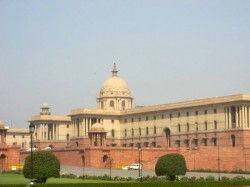 Rotten Body A Worker Found Rashtrapati Bhavan